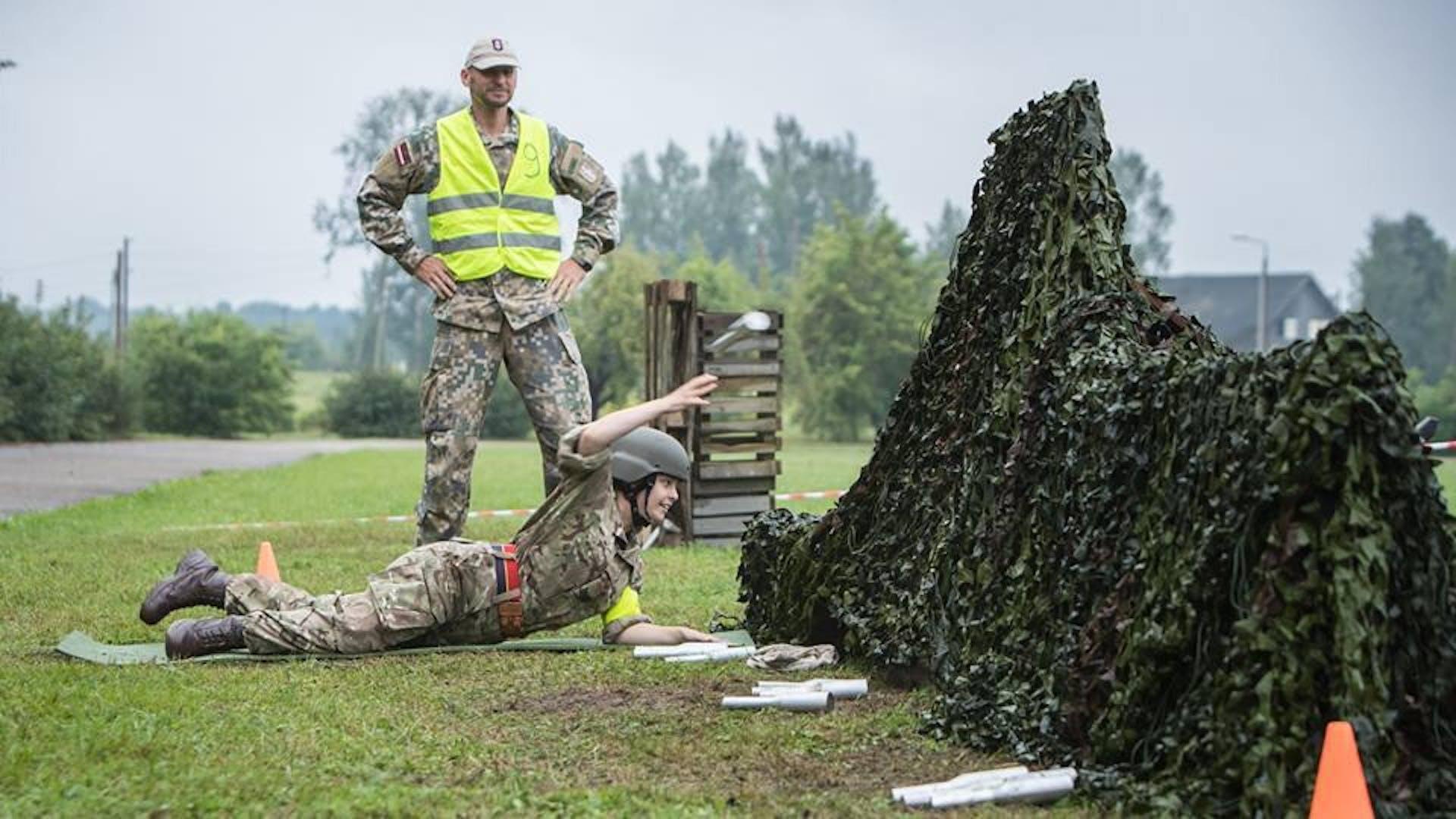 Exercise Baltic Guard 2018 Amy Mc Cartney grenade throw