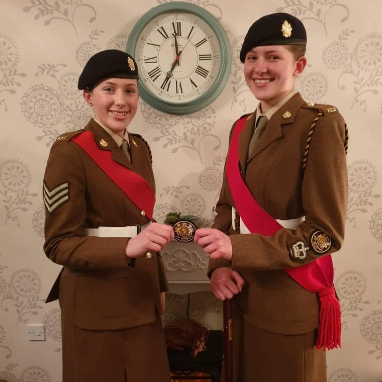 Hand over Lord lt badge