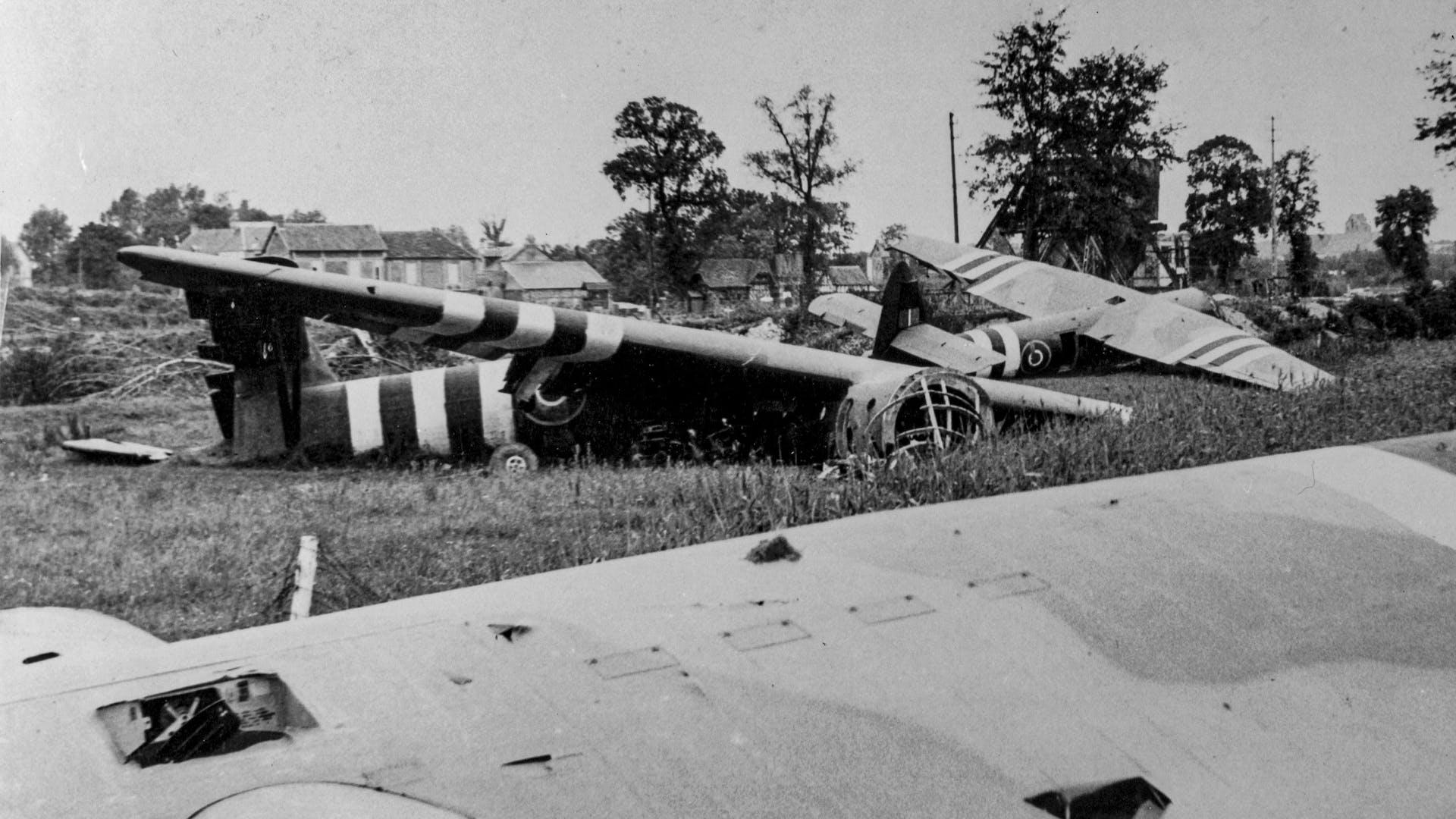 2500 144 TAB NCOY 1944 Operation Tonga 02 2x